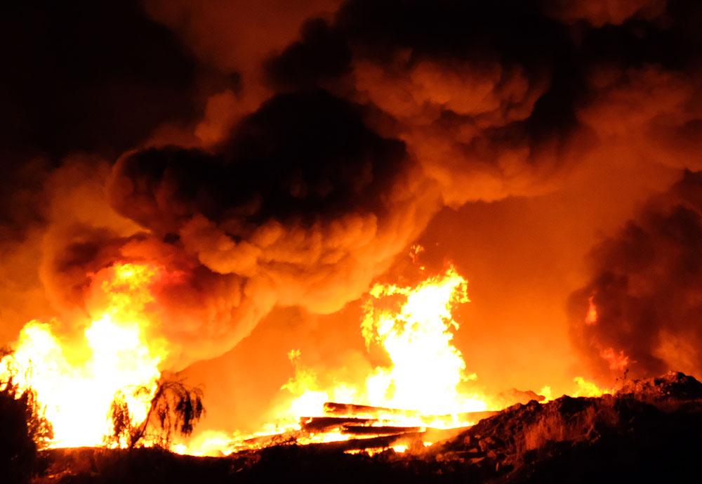 Die brand gesien vanaf die treinbrug in Langenhovenweg op pad na George.