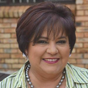 Anita leef droom uit op Oudtshoorn