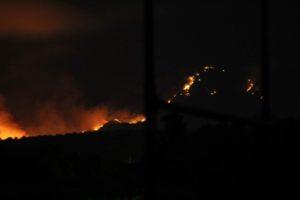 Swartberge brand weer