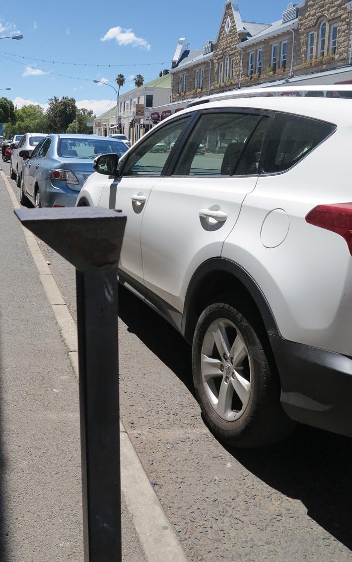 Munisipaliteit vra inwoners vir  insette oor parkeermeters vir dorp
