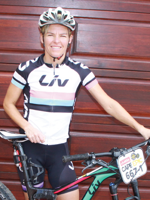 Fienie onder top tien vrouespanne by Cape Epic