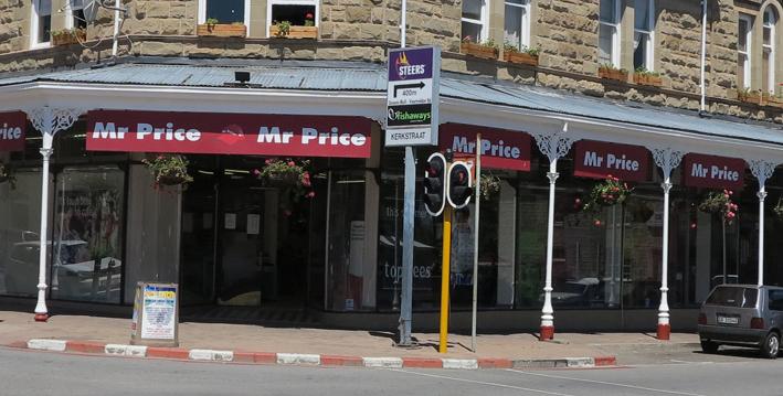 Vrou in hegtenis na winkeldiefstal en aanranding in Mr Price