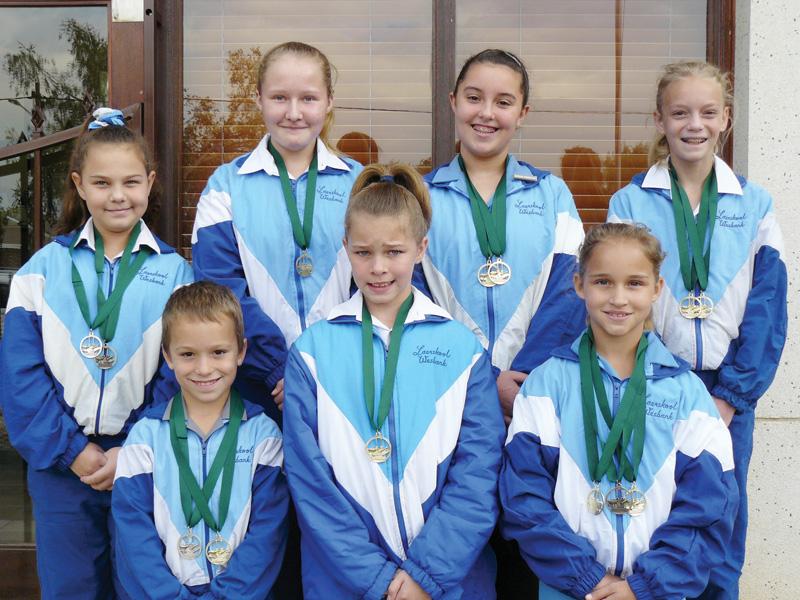 Laerskool Wesbank ontvang medaljes by die Garden Route Invitationals