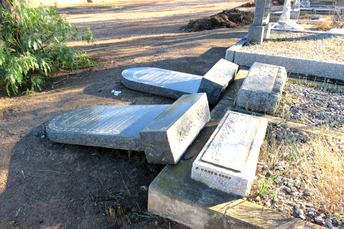Begraafplase in Oudtshoorn: Meld vandalisme so aan, vra  munisipaliteit