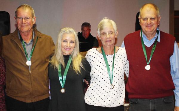 Eden seniors  blink uit teen  ander provinsies