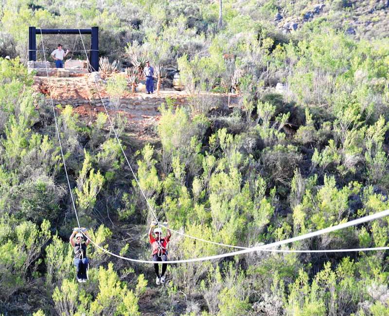 Die zipline tussen die Kango Grotte en die Cango Caves Estate.