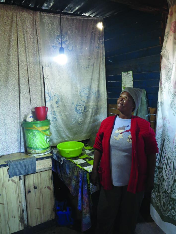 Oudtshoorn eerste in Wes-Kaap om 1 600 wonings met dié elektrisiteit te bemagtig