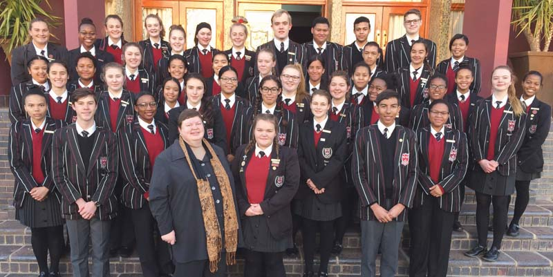 The Struisies who took part in the English Olympiad. Photo supplied  46 learners from Oudtshoorn High School took part in the English Olympiad of 2017 and have done so with great success. The results were as follows: Gold for Lisa Victor; silver for Vicky Dreyer, Bianca Nel, Nicky Stols, Kerrighan Aries, Clarissa Saaiman, Amber Malgas and Gaby Brits; bronze for Nasia Davids, Caithlin Bruintjies, Chris vd Walt, Vanya Dreyer, Lolla Jonker, Sadika Nait-Saidi, Fatiema Esa, Leandré Gilbert, Keelin Muller, Charisa Steyn, Danielle Cairncross,  Kabelo Motubatse, Kiara du Toit, Karyn Engelbrecht, Jason Jenkinson, Rochelle Schoeman, Kaydé Lewis, Giané Laubscher, Lara vd Walt, Dilanthé Apollis, Sibongile Shabalala and Inge Swart. Merit awards went to  Marle-Zanne Barnard, Laureka Wallace, Ihanté Coetzee, Elmé Botha, Miriam Joubert, Mareike Steyn, Hanro Lareman, Luzaan Swiegelaar, Cha-url Paulsen, Antonio van Briesies, Navan Beukes, Penelope Titus, Sofie Heller, Miné Graaff and Khanya Mwati. Owethu Konza was recognised for participation.