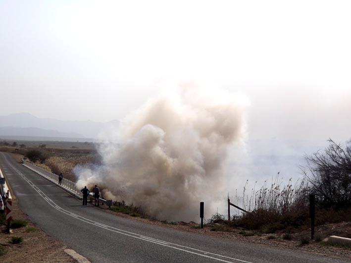 Brand by Bakenskraal aangeblaas deur wind