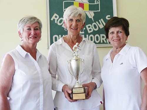 Dames driespel kampioenspan van Oudtshoorn rolbalklub beslis