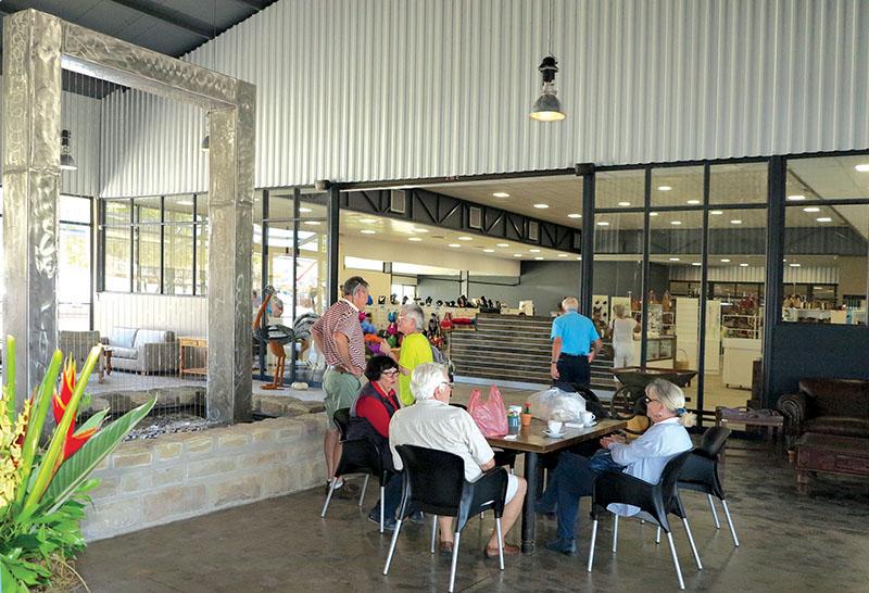 Nuwe winkel wil Klein Karoo-produkte  aan inwoners en besoekers bekend stel