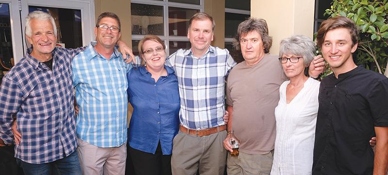 Errol Pretorius, Corné en Stephanie Botha, Louis Visser, Giep en Elsa Bosch en Louis Visser jr.