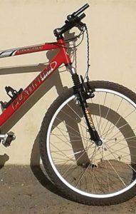 Op my bicycle  innie dorp