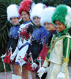 South African Majorette and Cheerleading Association bring nasionale kampioenskap na Oudtshoorn