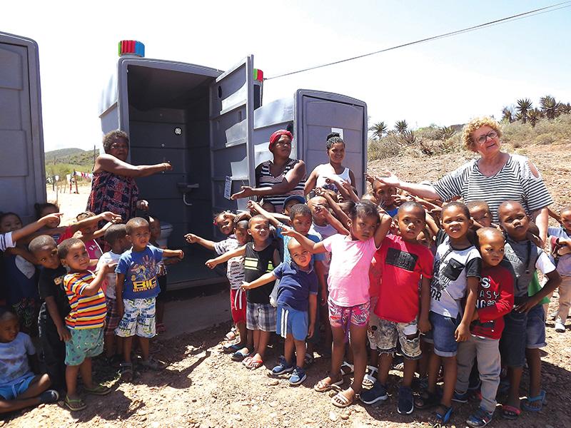 Waterlose toilette verander 'n gemeenskap