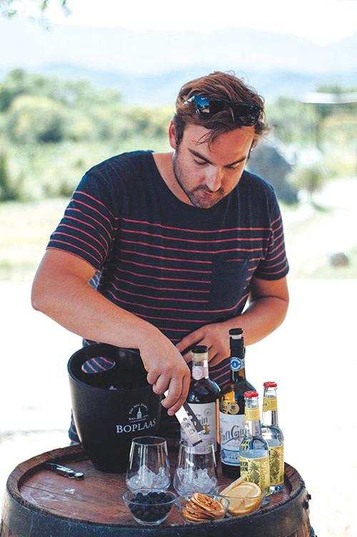 Boplaas stel land se eerste port-infusie-gin vry