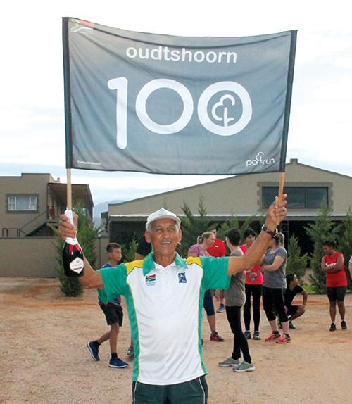 Garnett Wicomb voltooi sy 100ste Parkrun