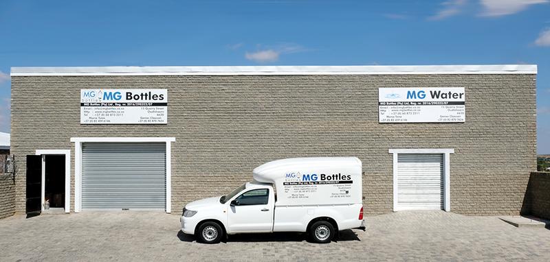 MGBottels se aanleg en MGWater se winkel te Quarrystraat 15, Oudtshoorn, waar kliënte gebottelde water kan koop asook hul eie leë waterhouers kan bring om gevul te word. Die perseel is naby Badenhorst Slaghuis en Vredebest.