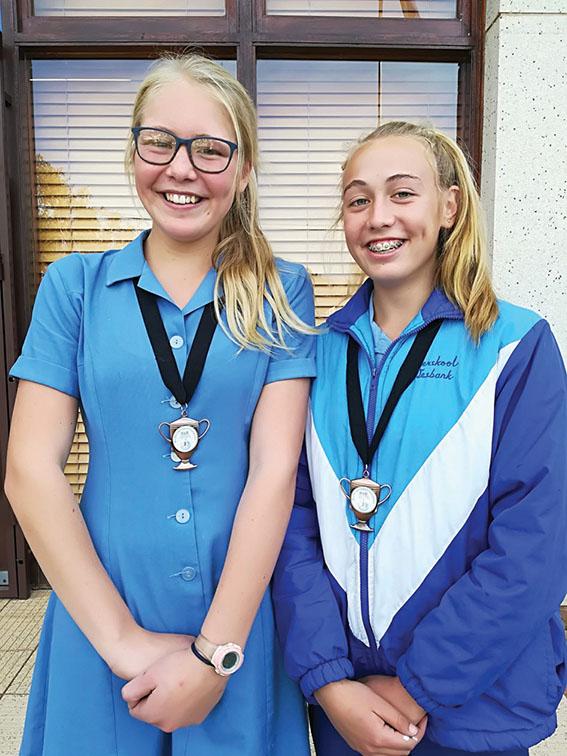 Twee Laerskool Wesbank leerders neem deel aan interdistrikte nelbaltoernooi