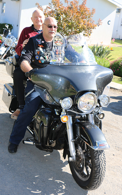 Niemand is  ooit te oud om Harley te ry nie