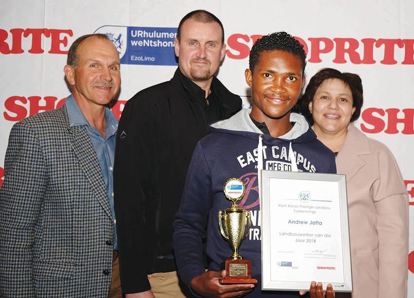 Landbouwerkers van die Klein Karoo kry erkenning tydens prestige onthaal
