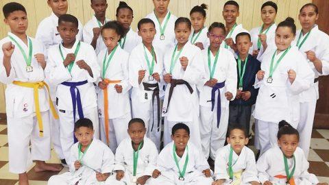 Klub spog met 25 medaljes by karateproewe