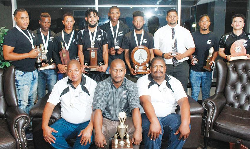 All Blacks Rugbyklub se prysuitdeling by die Oudtshoorn Inn