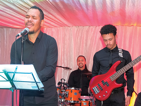 Musiek en top craft rum by dié fees