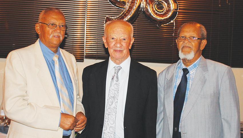 Bekende oud-onderwysers en groot vriende verjaar