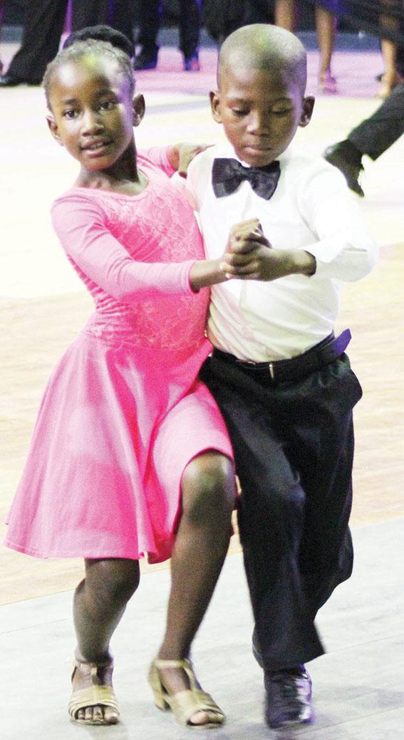 Dansers klein maar getryn