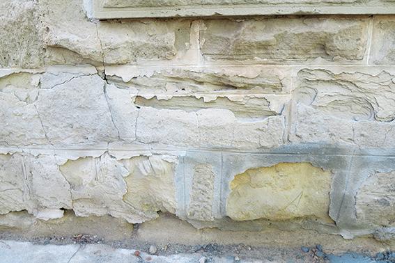 Grondvog is sandsteen se grootste vyand