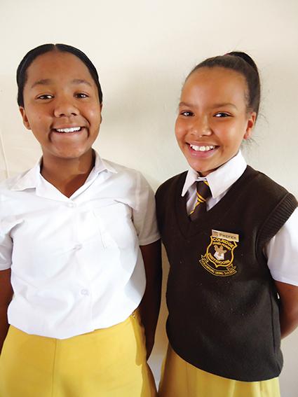 Twee leerders van colridge Primêr blink uit by Spelling Bee-kompetisie